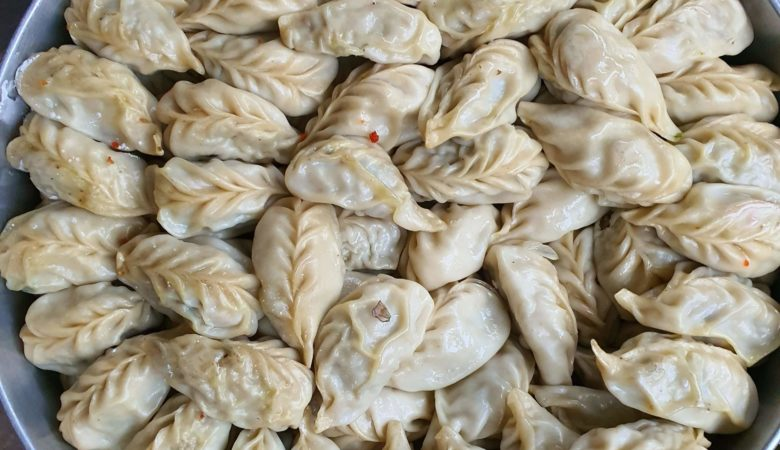 Chatty Bear - Canadian Food & Travel Blog - Momos and tea in Dilli Haat
